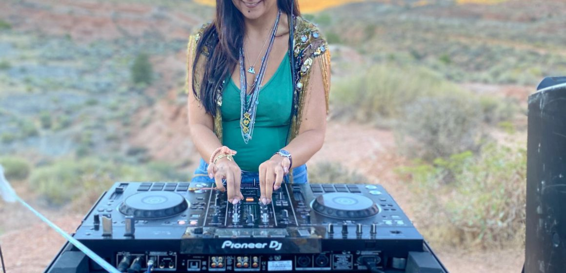 Ria Mehta Performing Live